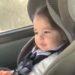 車の中で音楽にノリノリの女の子がかわいい!