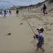 釣りの天才児!3歳の男の子が6kgの魚を釣り上げた!!